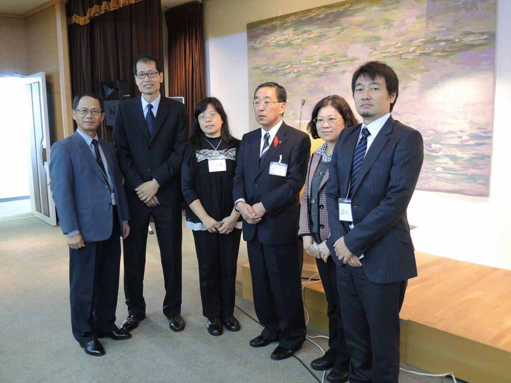 来賓辻直孝北見市長と台湾からご参加の研究者の皆さん